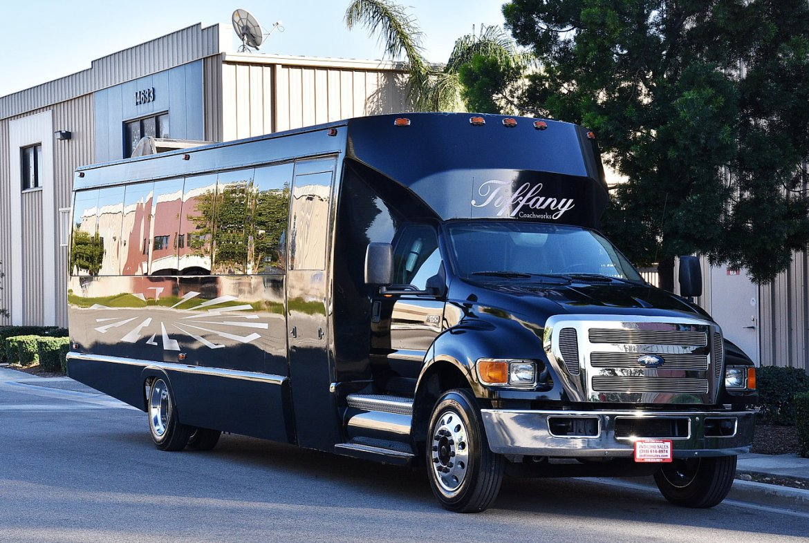 Limo Bus for sale: 2008 Ford F-650 by Tiffany