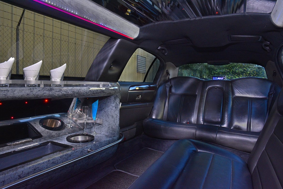 Used 2011 Lincoln Town Car For Sale Ws 11056 We Sell Limos