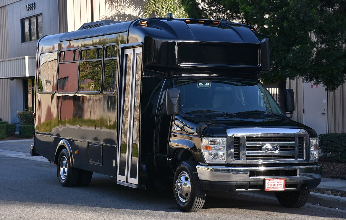 Limo Bus for sale: 2011 Ford E-450 by Glaval