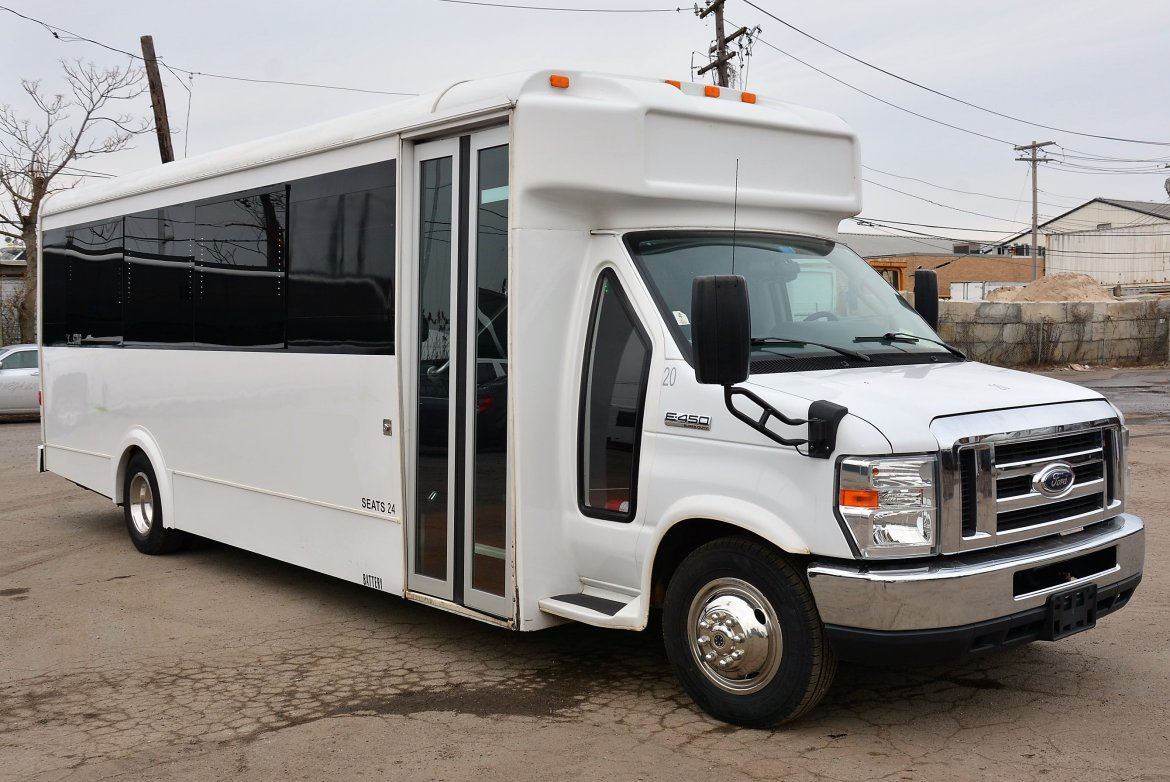 Limo Bus for sale: 2013 Ford E450 Party Bus by LGE Coachworks