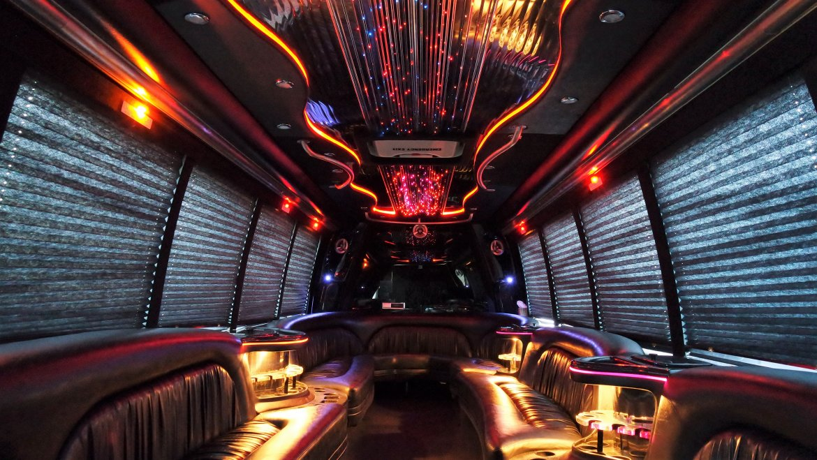 Limo Bus for sale: 2007 International 3200 by Krystal