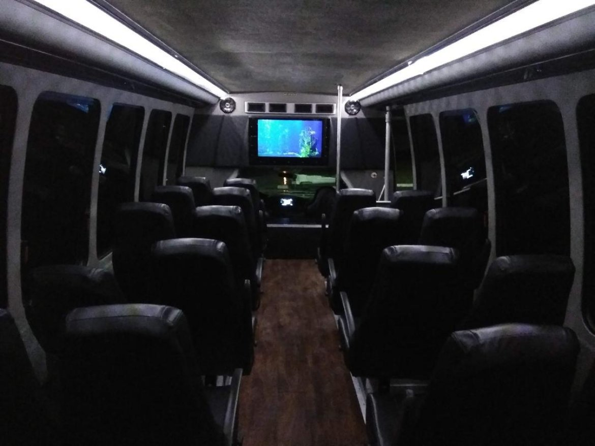 "Limo Bus for sale: 2006 Ford F550 33"" by Crystal updated Conversion"
