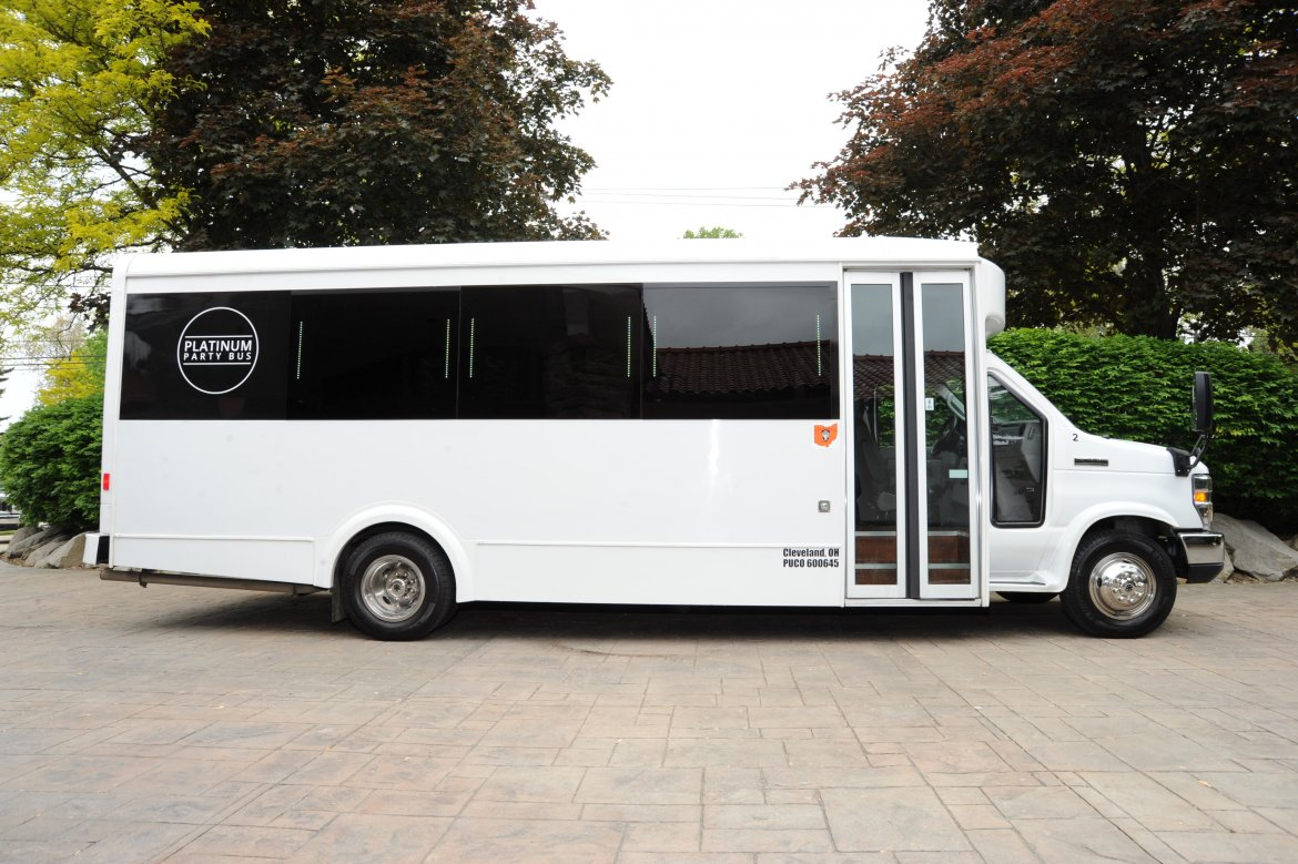 "Limo Bus for sale: 2015 Ford E450 27"" by LGE Coachworks"