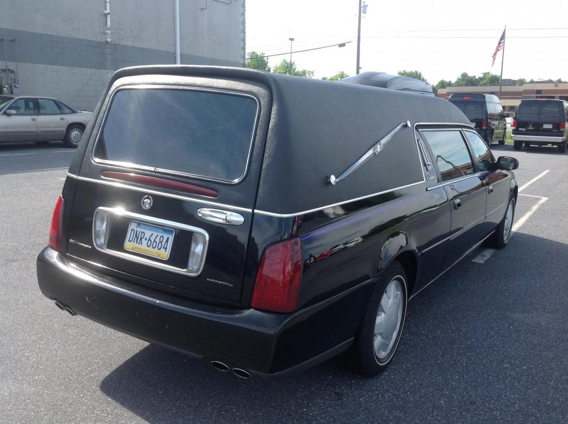 Used 2000 cadillac cadillac hearse 147 for sale ws for Used mercedes benz hearse for sale
