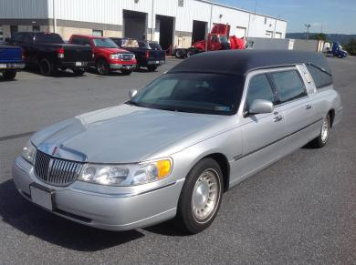 For sale: Lincoln Town Car Hearse (626)