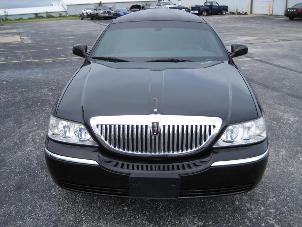 used 2011 lincoln town car for sale ws 10161 we sell limos. Black Bedroom Furniture Sets. Home Design Ideas