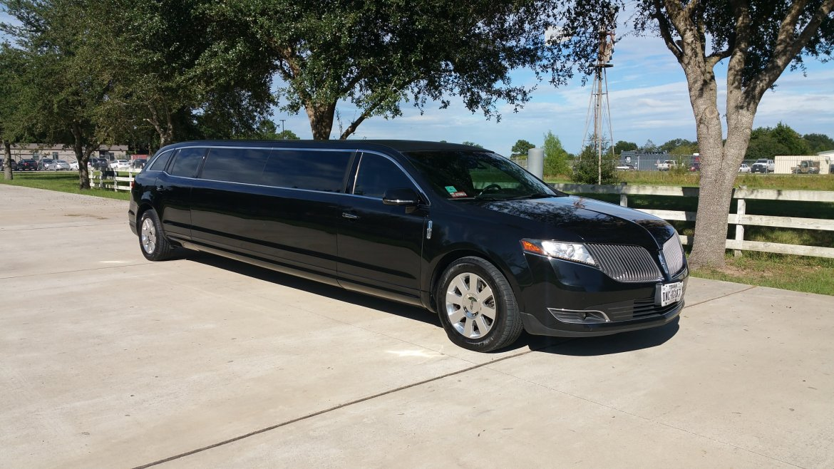 "Limousine for sale: 2014 Lincoln MKT 120"" by Tiffany"