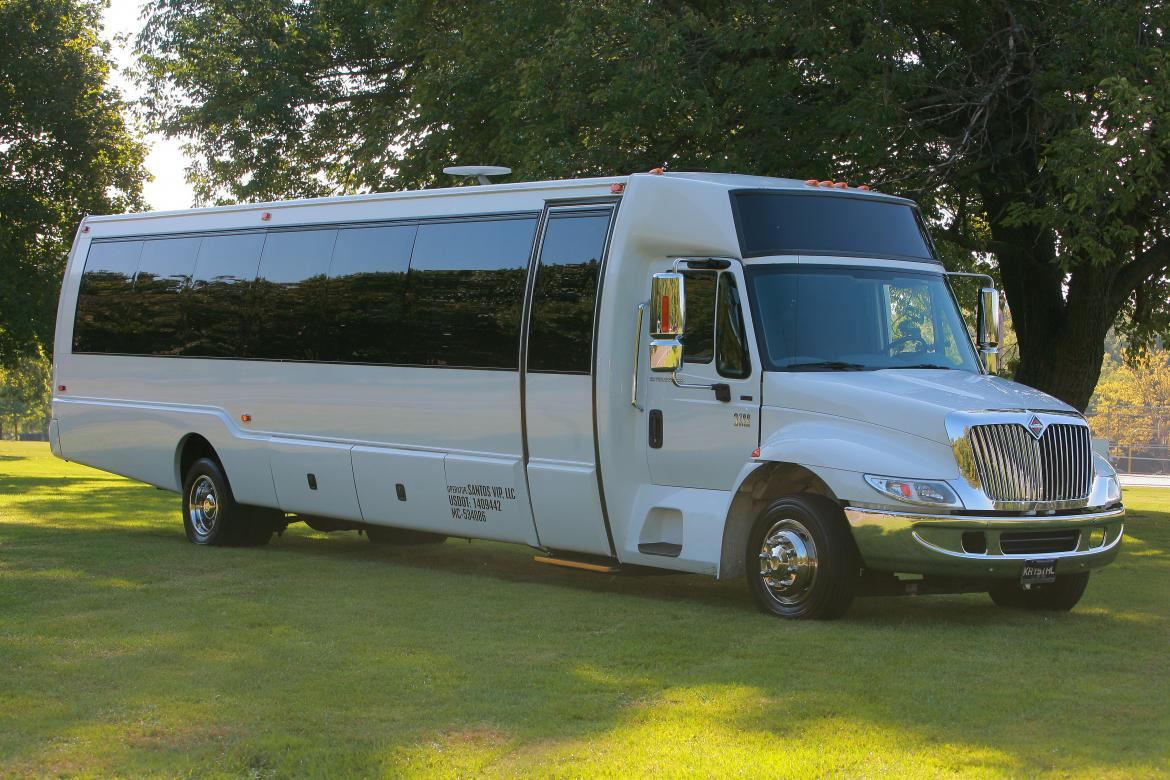 Limo Bus for sale: 2008 International KK38 by Krystal