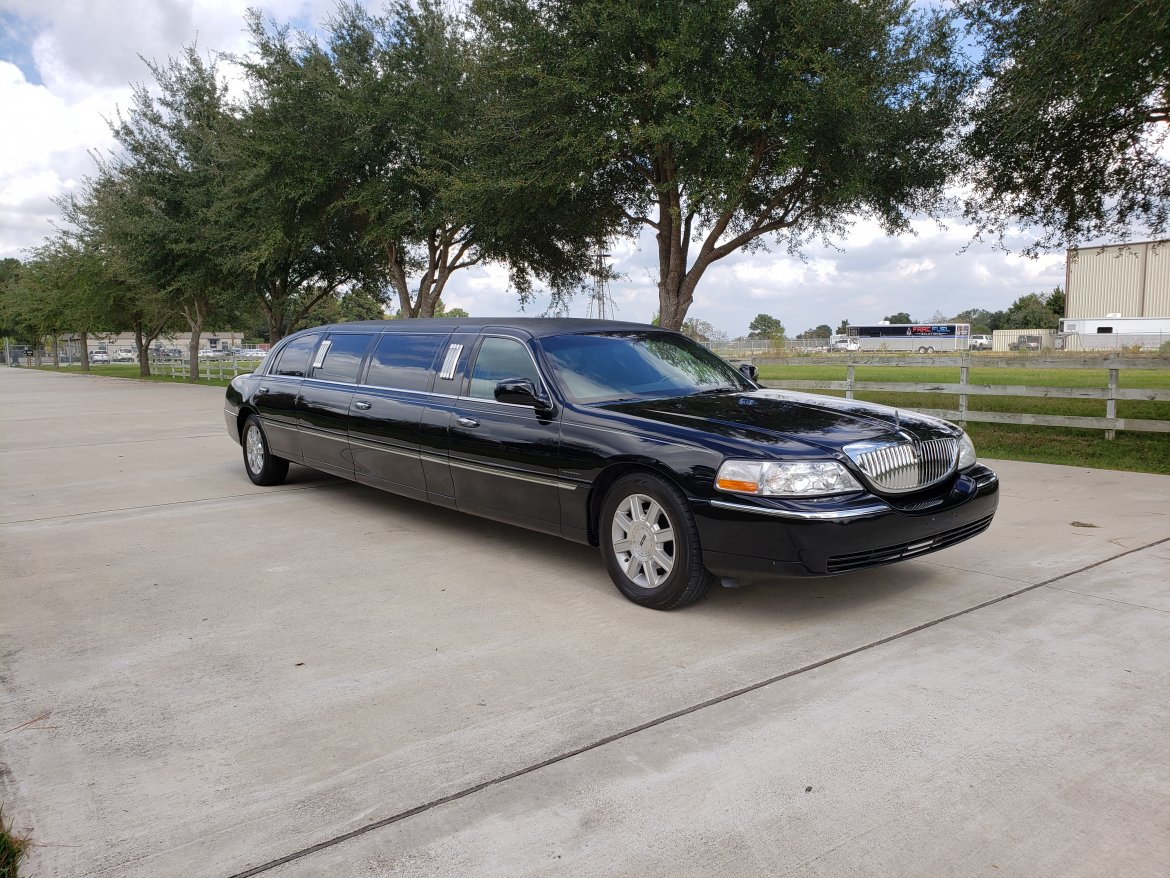 "Limousine for sale: 2007 Lincoln Towncar 100"" by Krystal Koach"