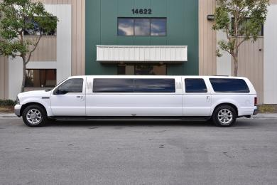 For sale: 2005 tiffany ford excursion Limousine