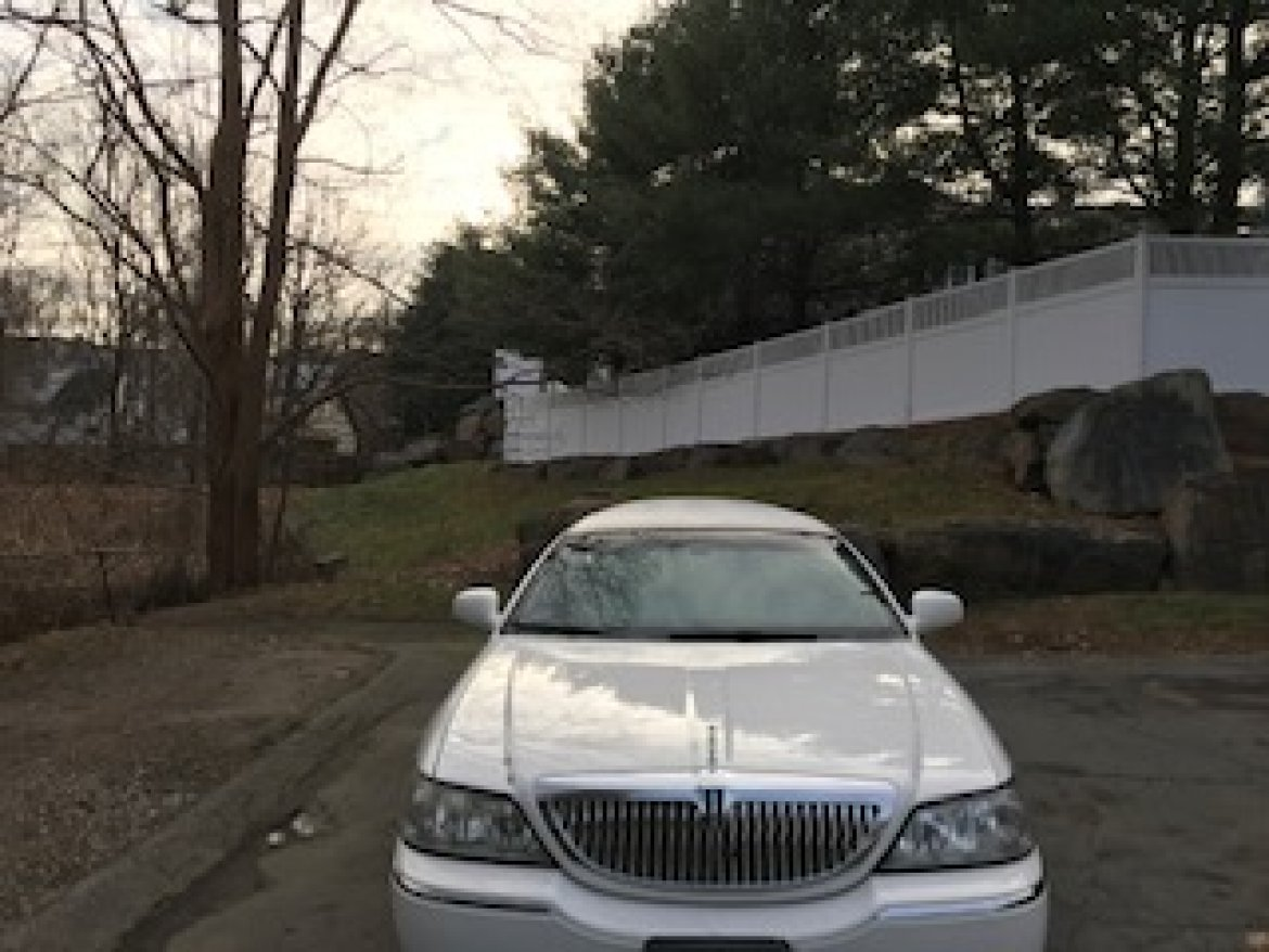 Used 2006 Lincoln Town Car For Sale Ws 11844 We Sell Limos