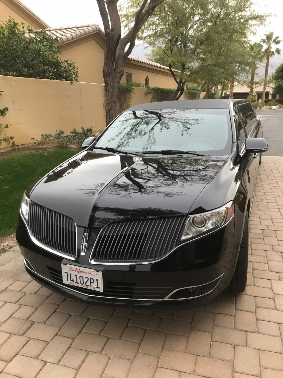 "Limousine for sale: 2014 Lincoln MKT 120"" by Executive Coachbuilders"