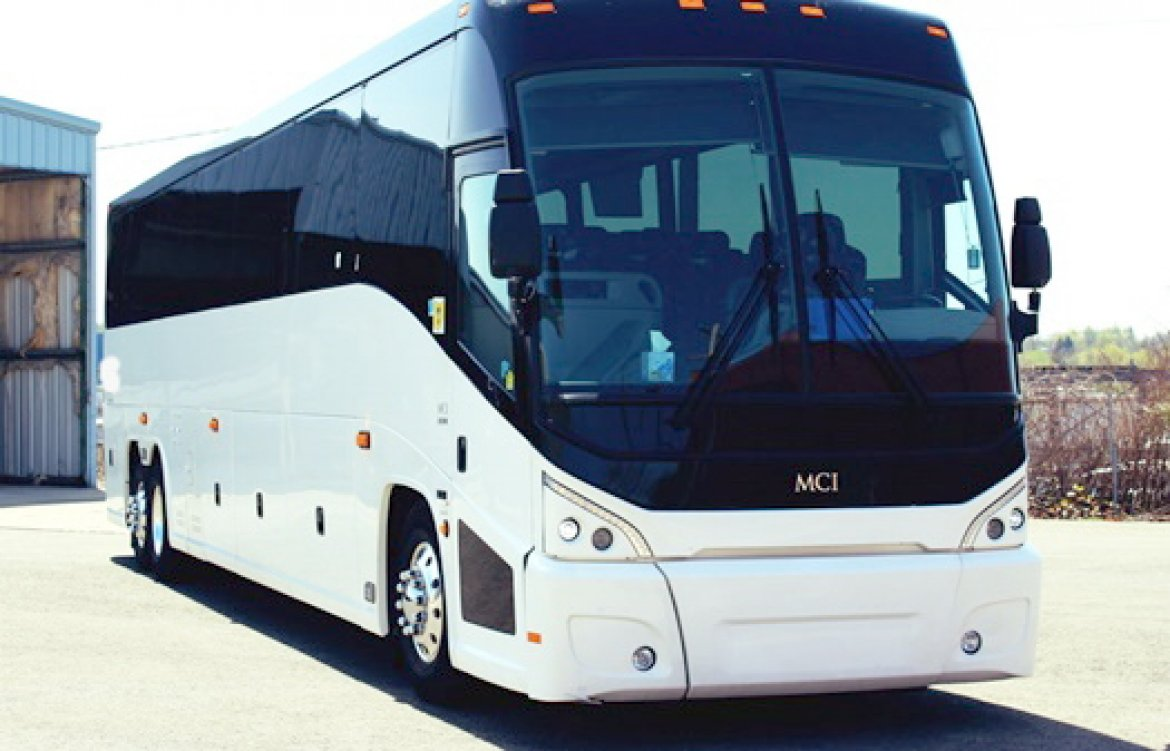 Used 2014 Mci J4500 For Sale Ws 11850 We Sell Limos