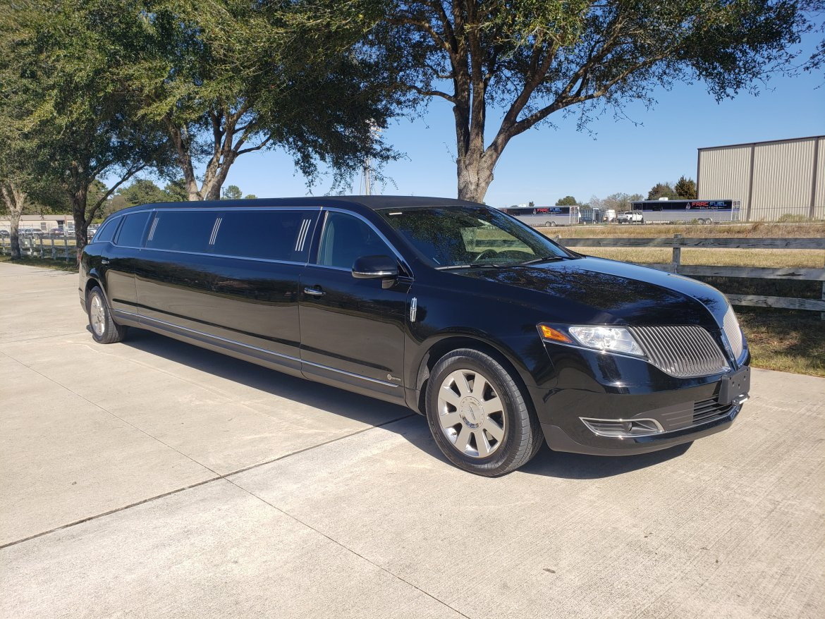 "Limousine for sale: 2015 Lincoln MKT 120"" by ECB"