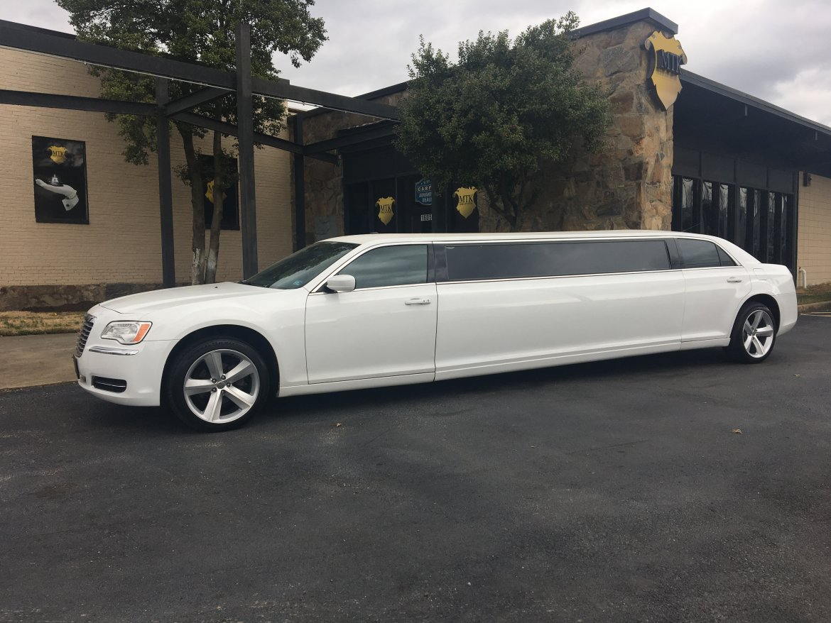 Limo For Sale >> 2014 Chrysler 300 For Sale 35900