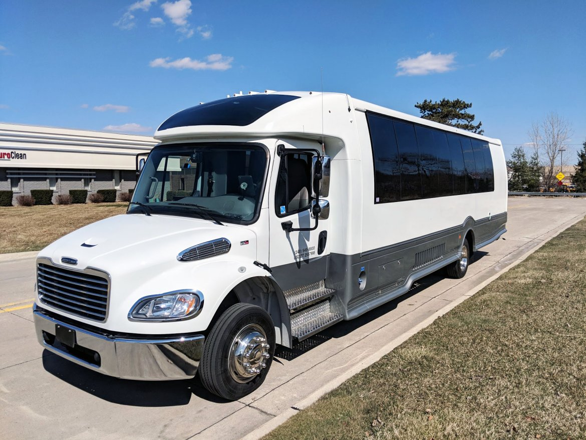 Executive Shuttle for sale: 2018 Freightliner M2 by Turtle Top