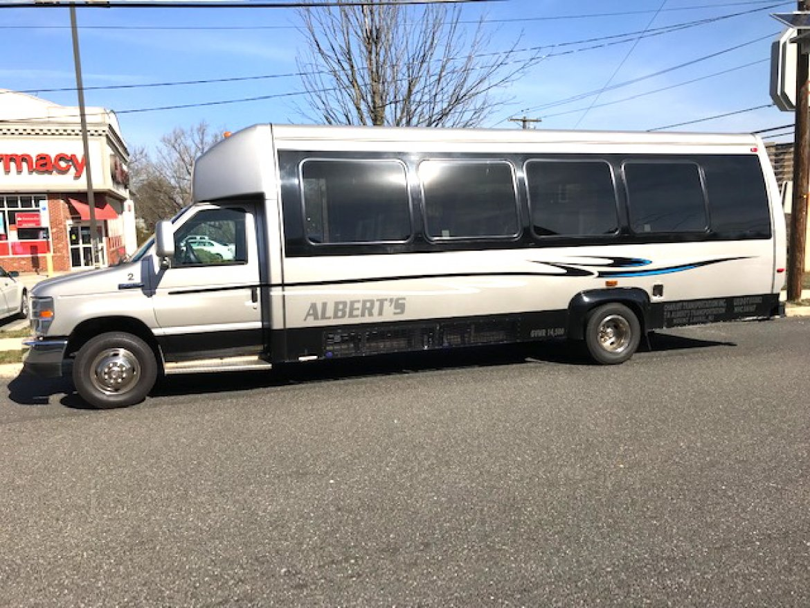 "Shuttle Bus for sale: 2011 Ford E-450 28"" by Ameritrans"