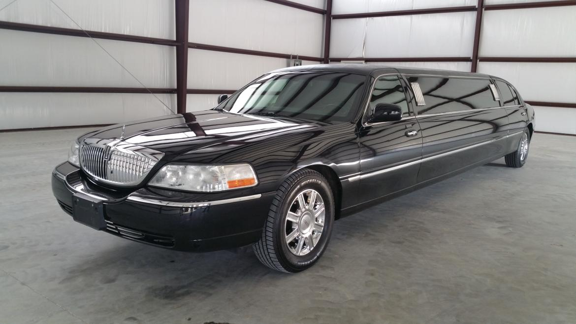 Used 2011 Lincoln Towncar For Sale Ws 10213 We Sell Limos