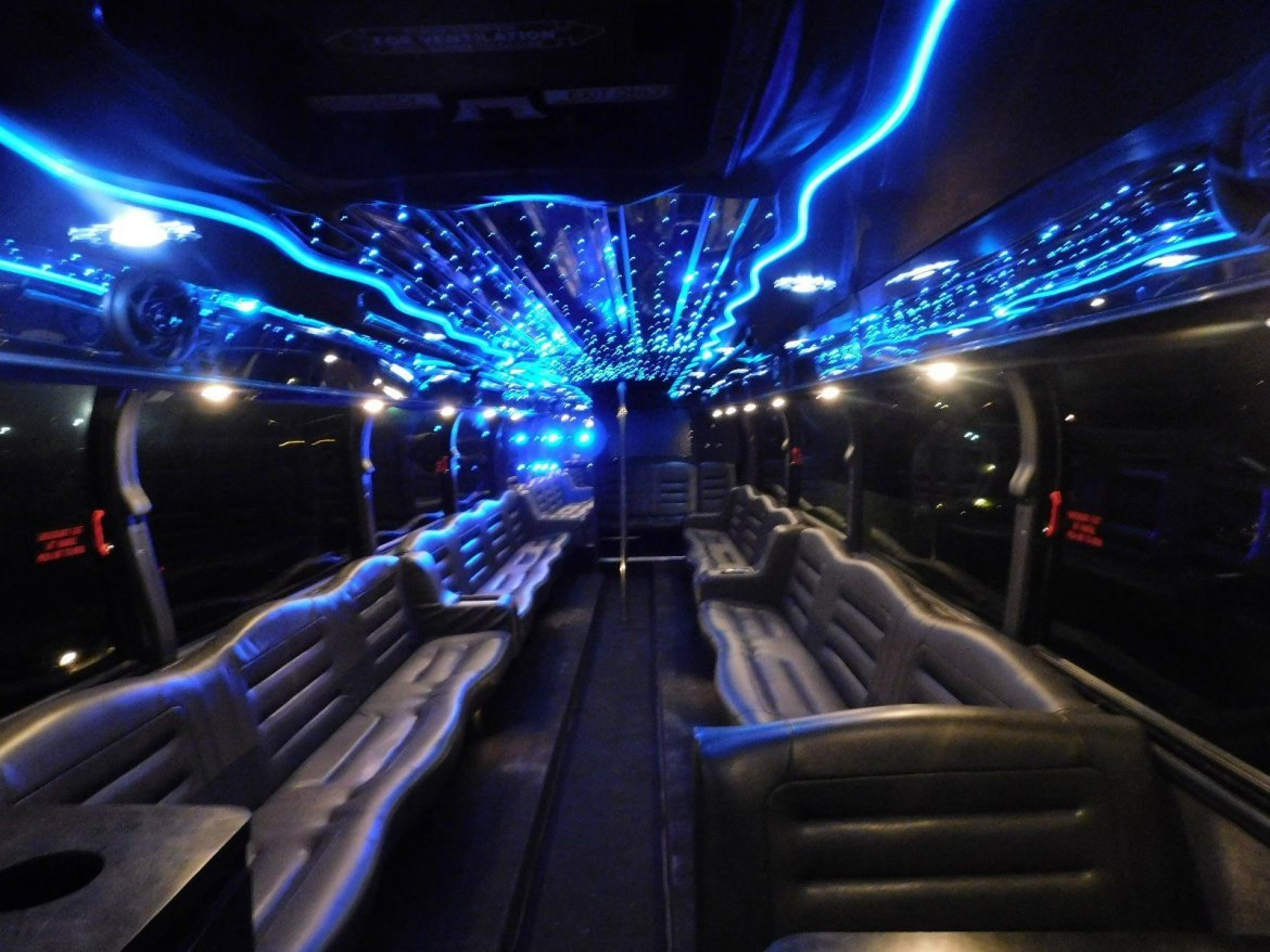 Limo Bus for sale: 1996 Blue Bird NEOPLAN 40""