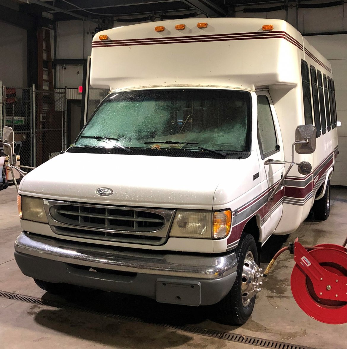 "Shuttle Bus for sale: 1998 Ford E-450 23"" by Diamond"