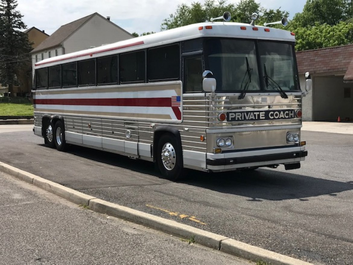 "Motorcoach for sale: 1983 MCI Private Coach 45"" by MCI"