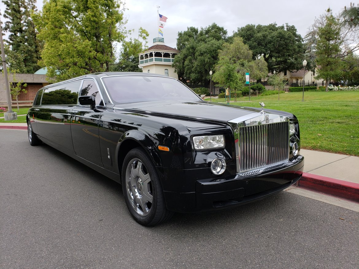 "Limousine for sale: 2007 Rolls-Royce Phantom 120"" by Pinnacle Limousine Manufacturing"
