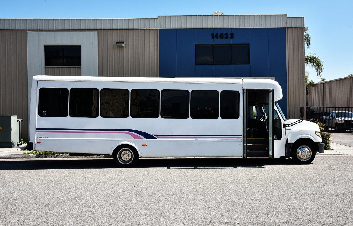 Shuttle Bus for sale: 2013 International Shuttle Bus by Starcraft