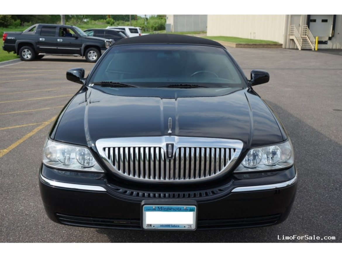 Limousine for sale: 2005 Lincoln Sedan Stretch by Krystal