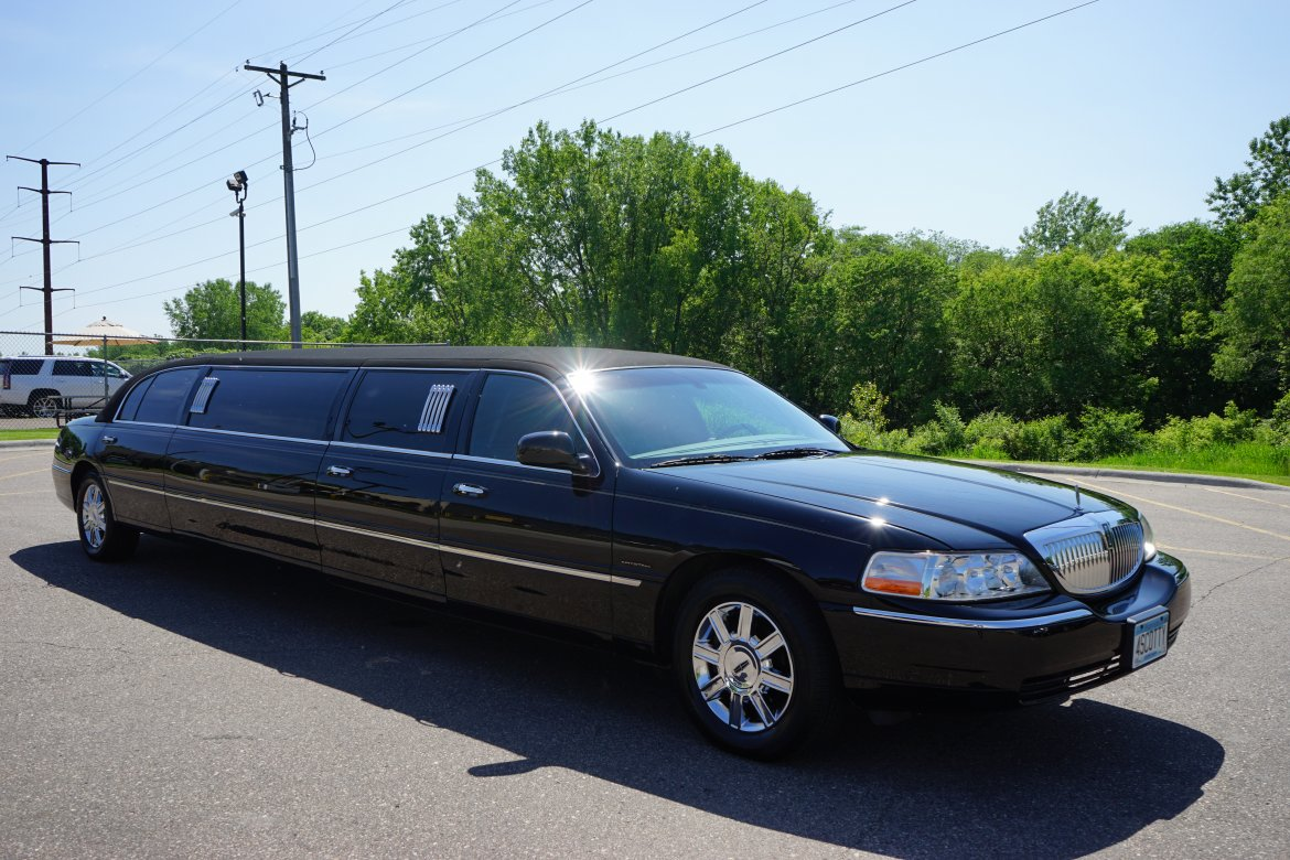 Limousine for sale: 2011 Lincoln Sedan Stretch by Krystal