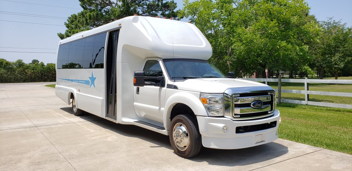 Limo Bus for sale: 2013 Ford F550 by Limos By Moonlight
