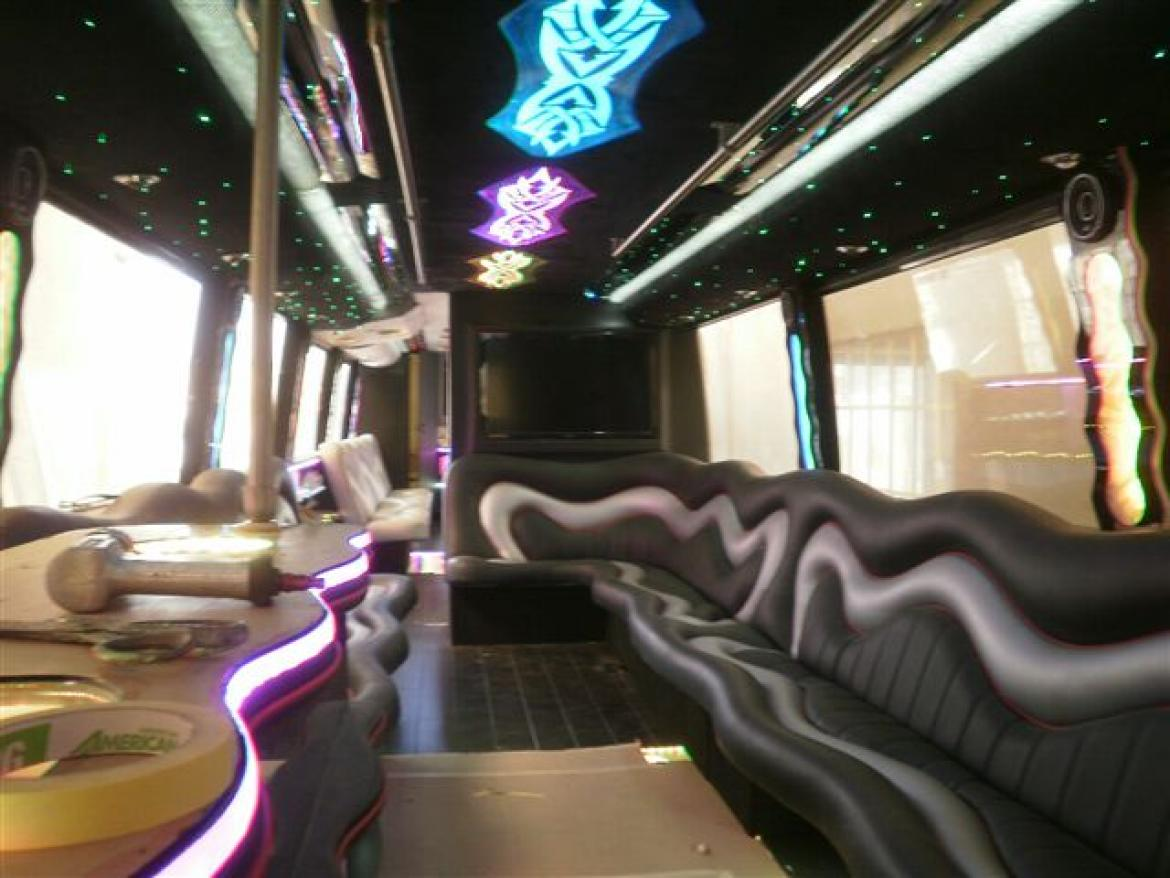 Shuttle Bus for sale: 1998 Vanhool M11