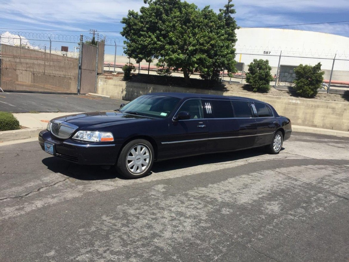 Limousine for sale: 2005 Lincoln Wide Body by Executive Coach Builders