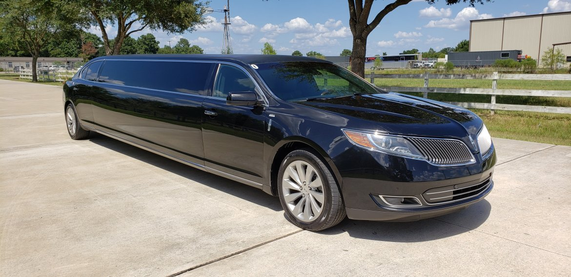 "Limousine for sale: 2014 Lincoln MKS 140"" by American Limo Sales"