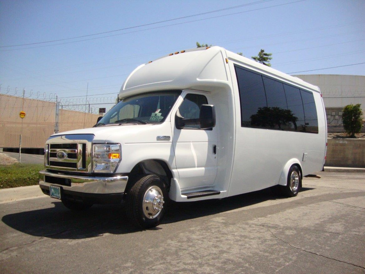 Shuttle Bus for sale: 2019 Ford E450 Paratransit by Embassy