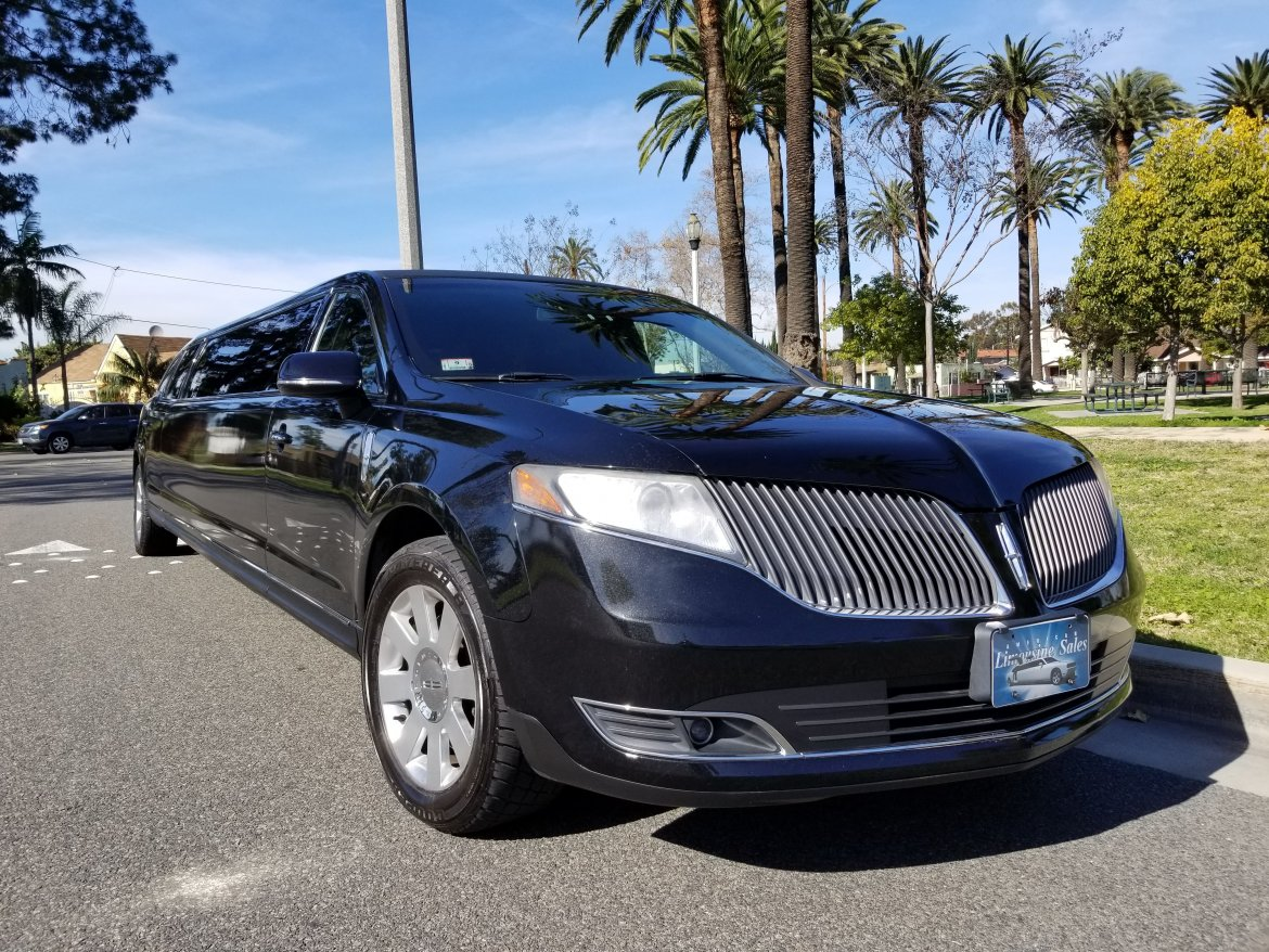 Limousine for sale: 2014 Lincoln MKT