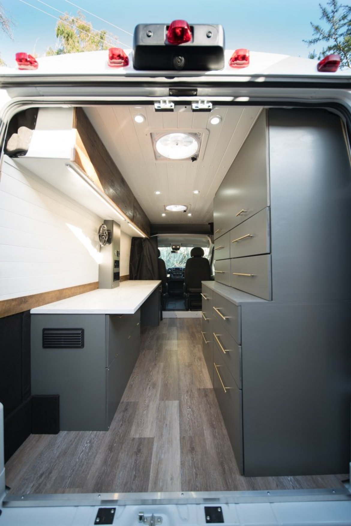 CEO SUV Mobile Office for sale: 2019 Dodge RAM pro master 1500 highroof by Custom build