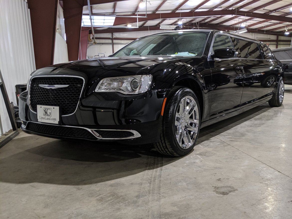 "Limousine for sale: 2019 Chrysler 300 70"" by Springfield Coach"