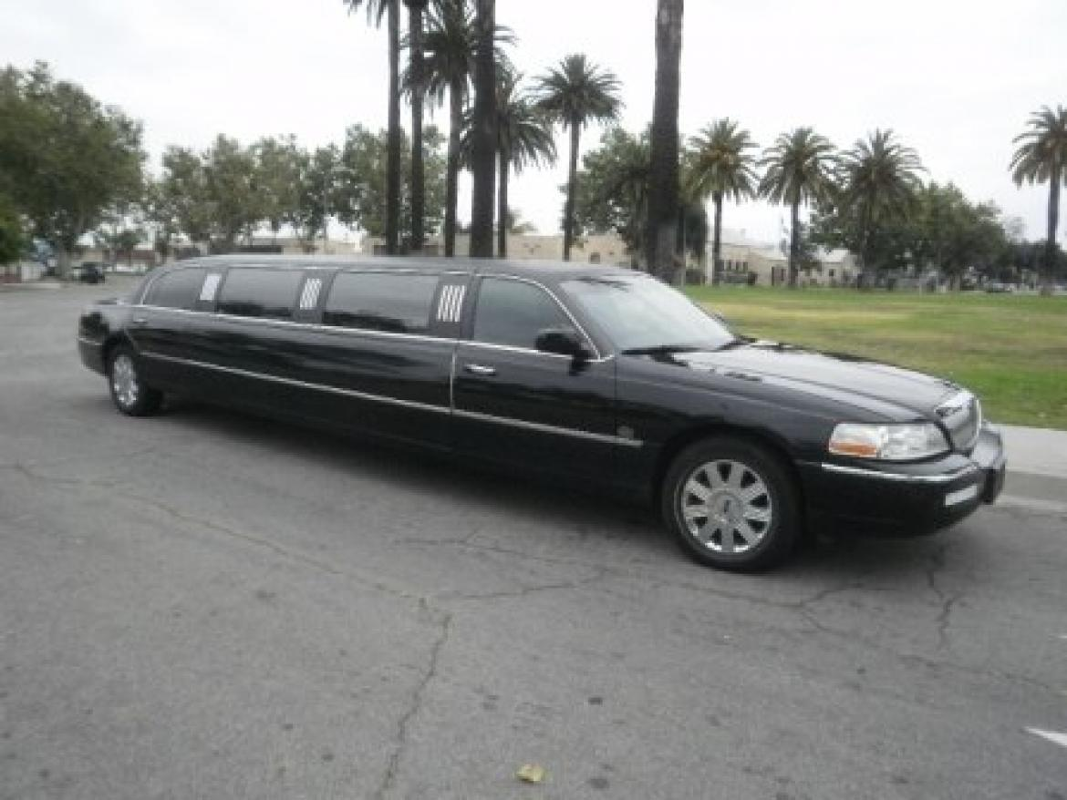 Limousine For 2003 Lincoln Town Car By Lcw