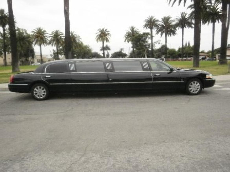Lincoln Town Car Limousine A C A Large
