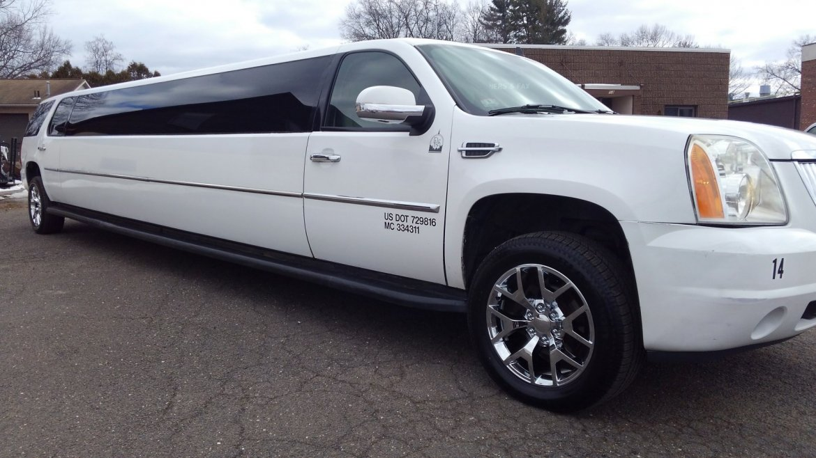 SUV Stretch for sale: 2007 GMC Yukon by Lime Light