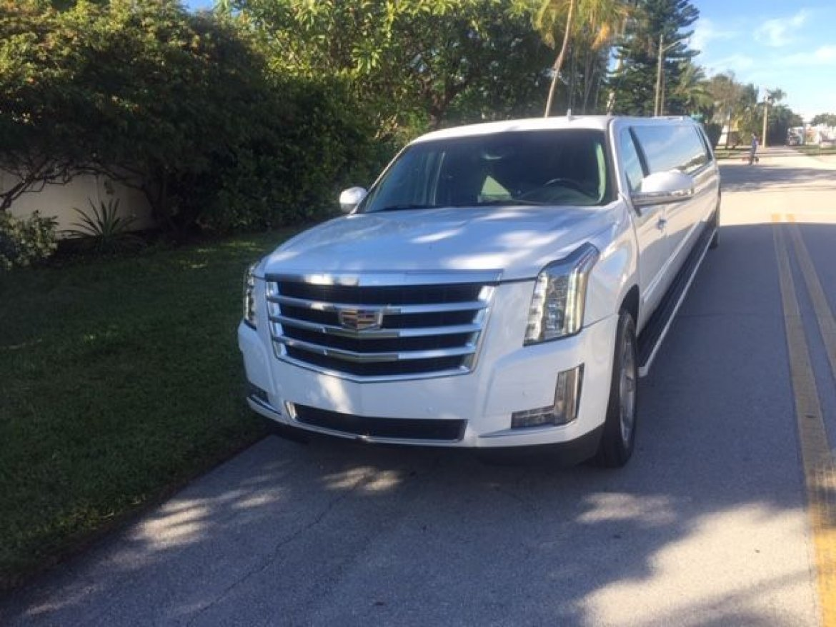 "SUV Stretch for sale: 2008 Cadillac Escalade 200"" by Moonlight"