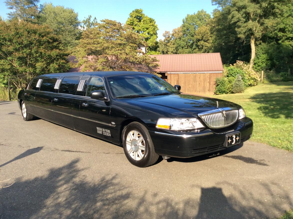 used 2007 lincoln town car for sale ws 10030 we sell limos. Black Bedroom Furniture Sets. Home Design Ideas