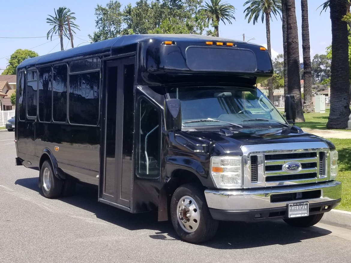 Limo Bus for sale: 2010 Ford party bus