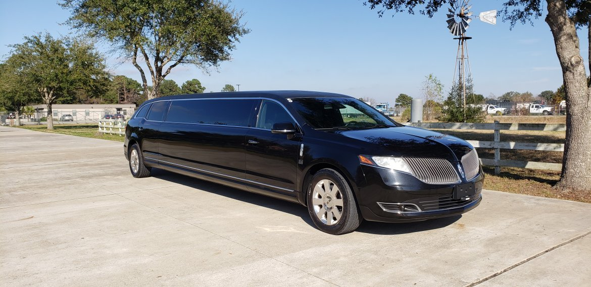 "Limousine for sale: 2014 Lincoln MKT 120"" by LCW"