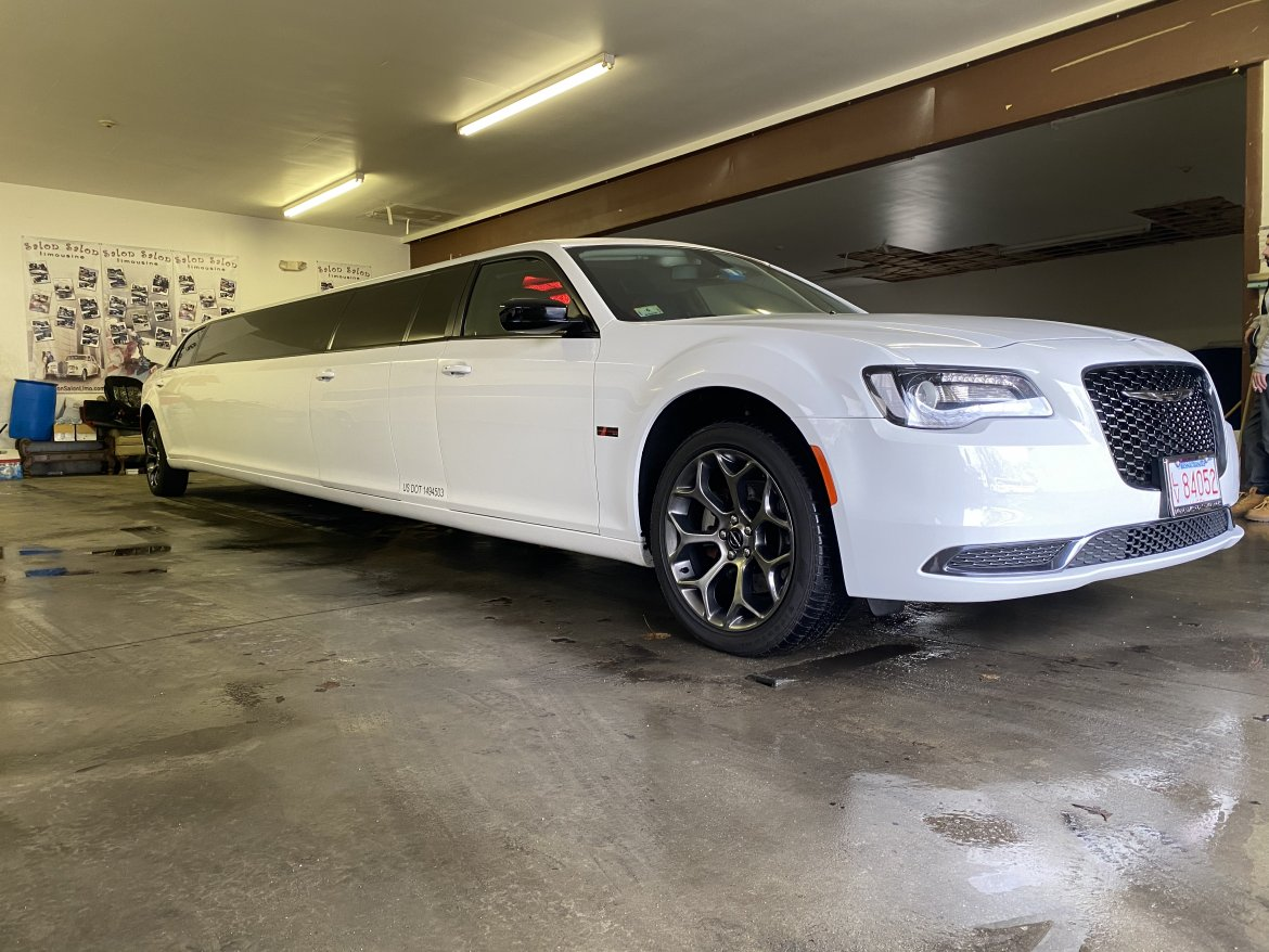 Limousine for sale: 2018 Chrysler 300 by Moonlight
