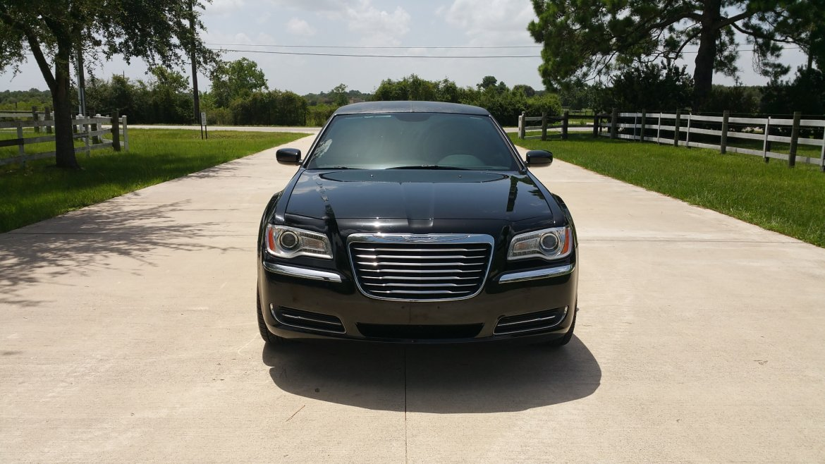 "Limousine for sale: 2014 Chrysler 300 140"" by LCW"