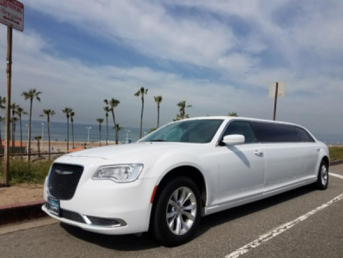 Limo For Sale >> 2016 Chrysler 300 For Sale 53995