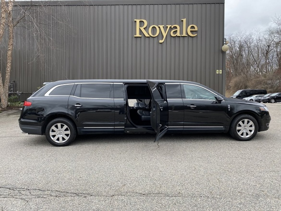 "Limousine for sale: 2013 Lincoln 70-5 door 705"" by Royale"