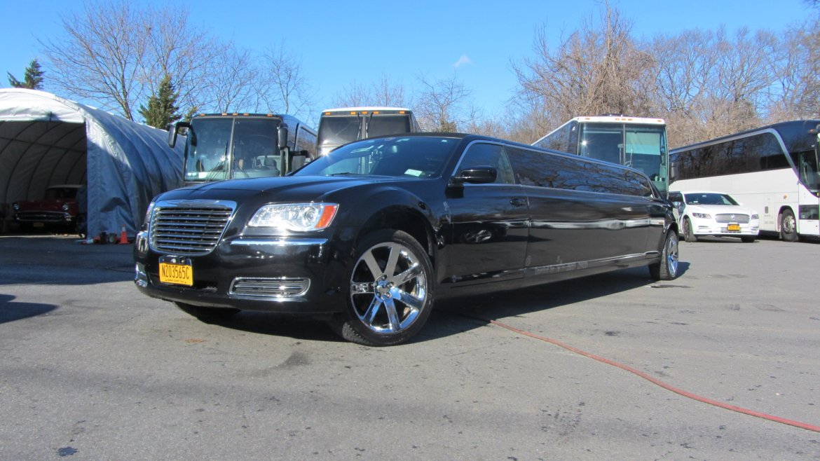 "Limousine for sale: 2014 Chrysler 300 limo 140"" 140"" by SPV"