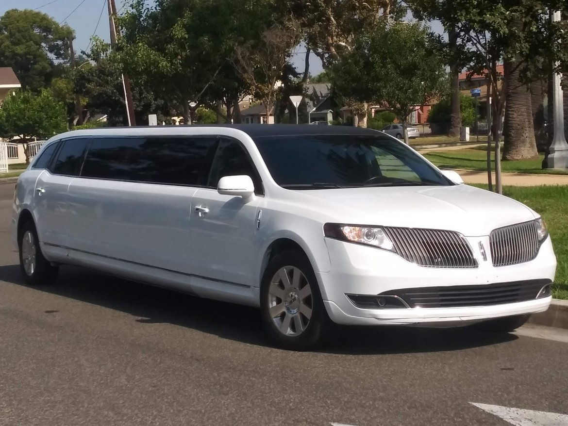 Limousine for sale: 2013 Lincoln MKT